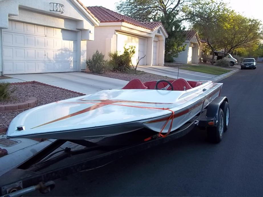 Click image for larger version.  Name:1979 WARBIRD BOAT 5-25-11 002.jpg Views:50 Size:93.7 KB ID:117904