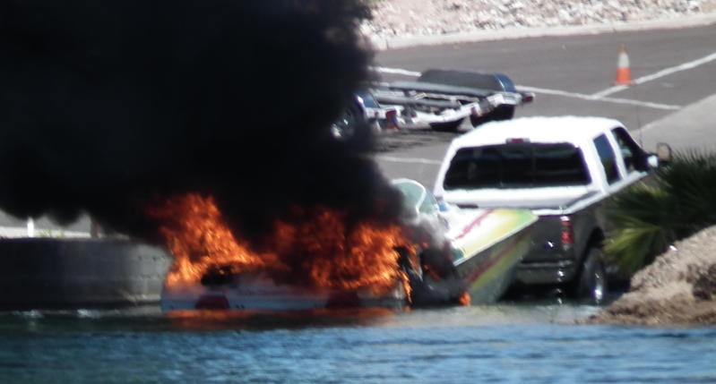 Click image for larger version.  Name:boat_explodes_sm.jpg Views:123 Size:43.0 KB ID:162840