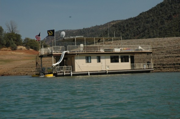 Click image for larger version.  Name:Bob's Houseboat.jpg Views:63 Size:55.5 KB ID:15284