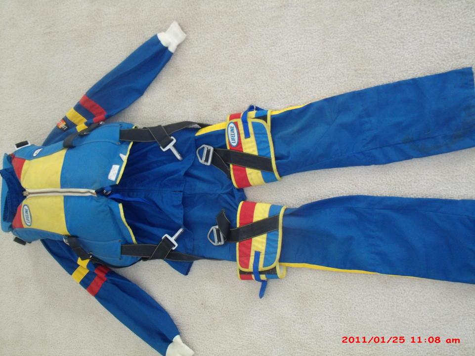 Click image for larger version.  Name:chutejacket1.jpg Views:58 Size:92.8 KB ID:104326