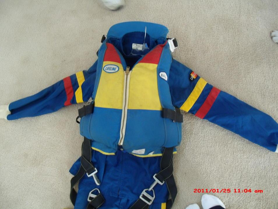 Click image for larger version.  Name:chutejacket2.jpg Views:34 Size:93.5 KB ID:104327
