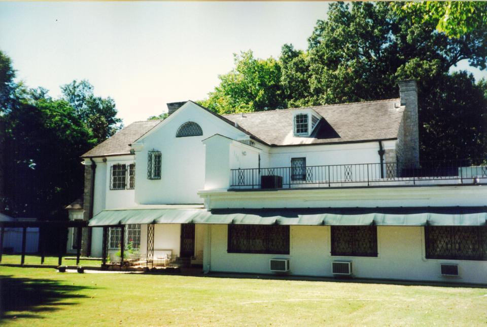 Click image for larger version.  Name:Graceland 2.jpg Views:46 Size:95.6 KB ID:123587