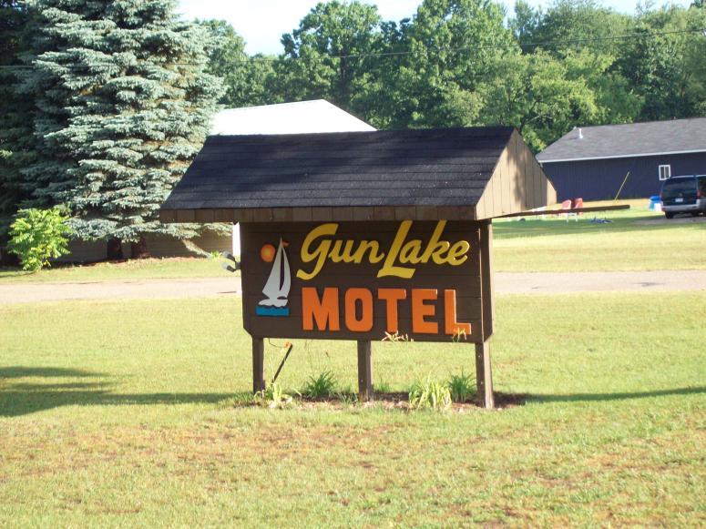 Click image for larger version.  Name:Gun Lake 2 026.jpg Views:76 Size:98.5 KB ID:47892