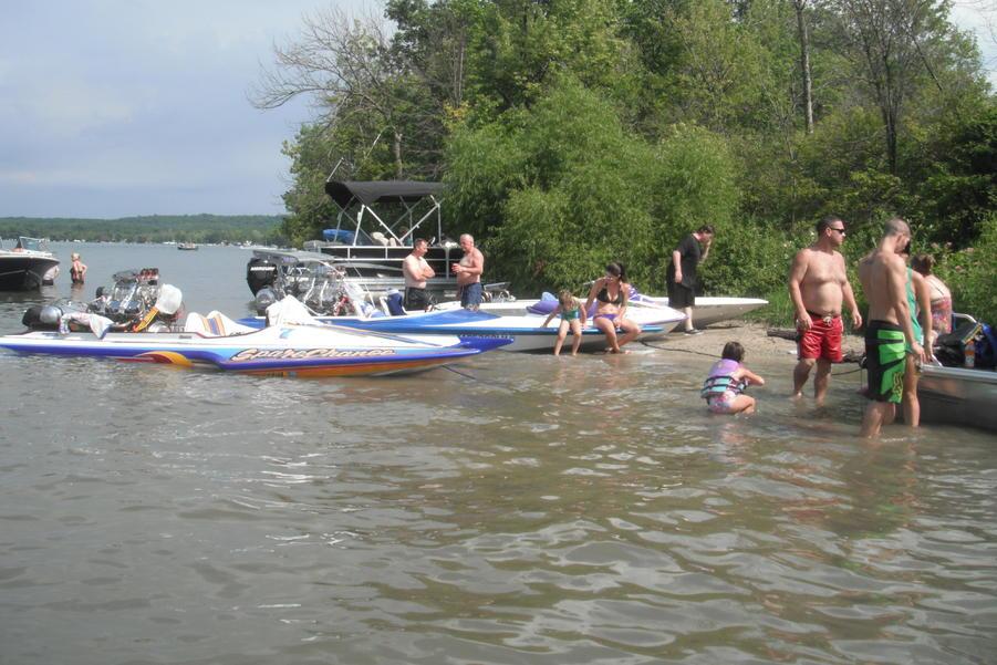 Click image for larger version.  Name:Gun Lake 2011 006.jpg Views:56 Size:98.8 KB ID:125051