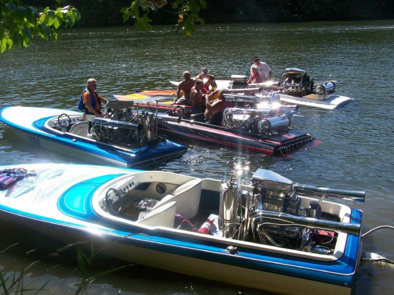 Click image for larger version.  Name:gun lake crew (2).jpg Views:157 Size:98.4 KB ID:30536