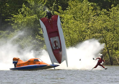 Click image for larger version.  Name:JESUS CRASHES HIS SPEED BOAT.jpg Views:44 Size:32.5 KB ID:446721