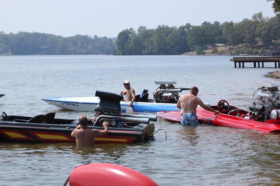 Click image for larger version.  Name:Lake Greenwood Sept.3,2011 009.jpg Views:193 Size:97.3 KB ID:130420
