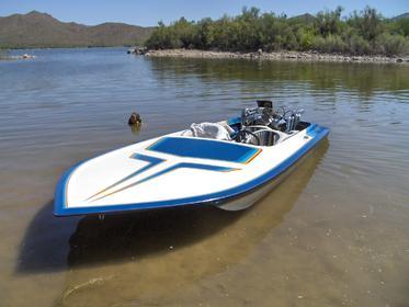 Click image for larger version.  Name:pro19 at lake boat 003.jpg Views:70 Size:15.7 KB ID:621953