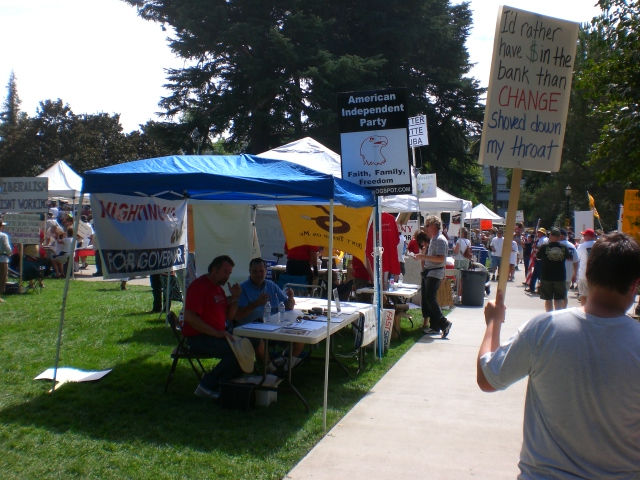 Click image for larger version.  Name:Sacto Tea Party 014.jpg Views:34 Size:230.0 KB ID:52520
