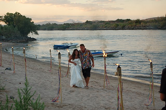 Click image for larger version.  Name:walk on beach.jpg Views:86 Size:75.2 KB ID:20882