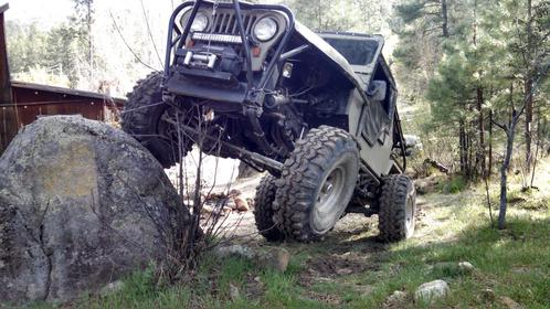 Click image for larger version.  Name:willys at cabins.jpg Views:44 Size:38.4 KB ID:716593